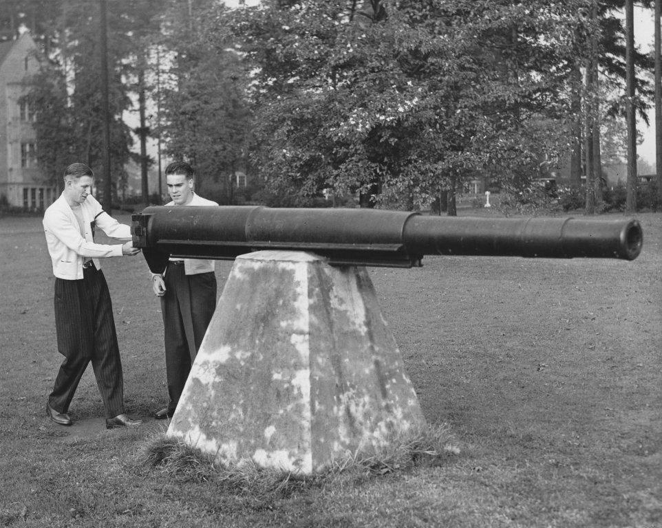 Louis Farnsworth and Del Huntsinger, 1943