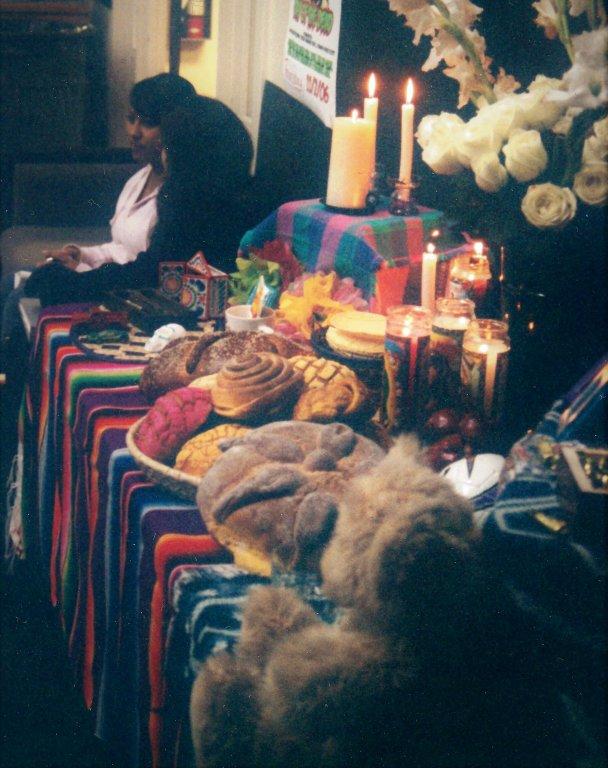 Día de los Muertos altar in St. Mary's, 2006
