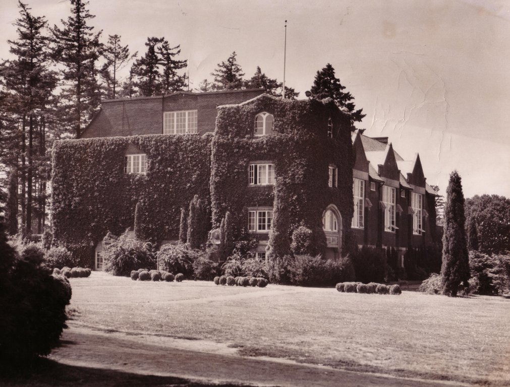 Howard Hall 1950 L 6 no1 Ivy