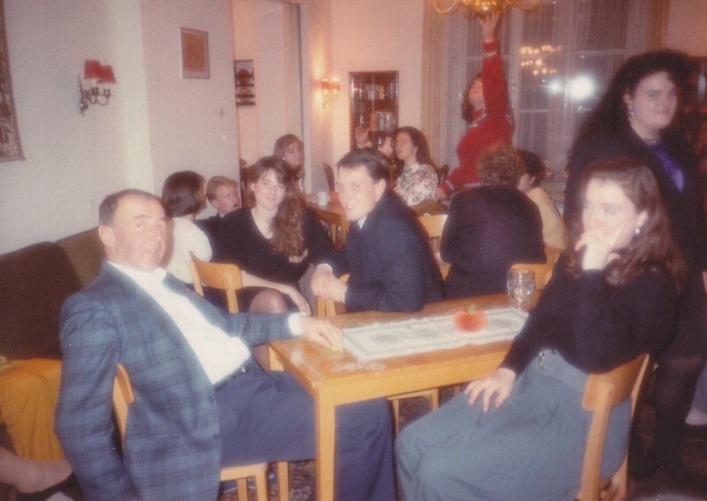 Dr. Franz Horner with students, Thanksgiving 1990