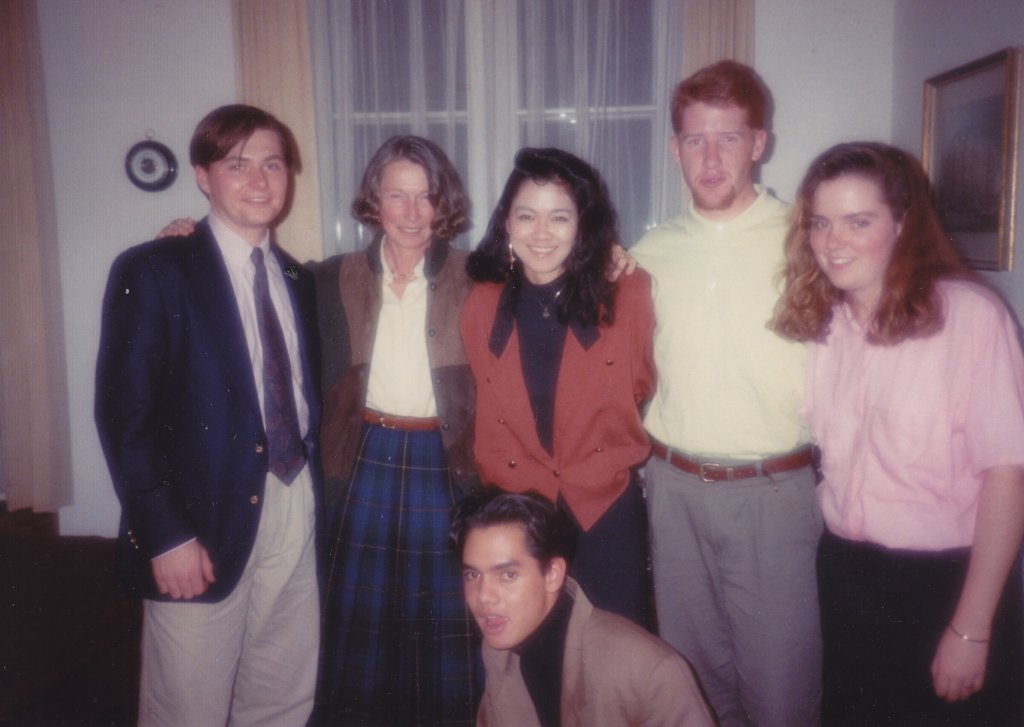 Frau Sigrun Loos with students, Thanksgiving 1990