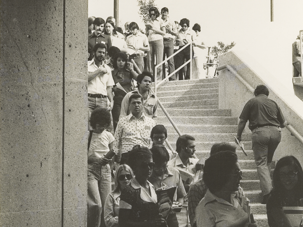 Students waiting in line to register for classes