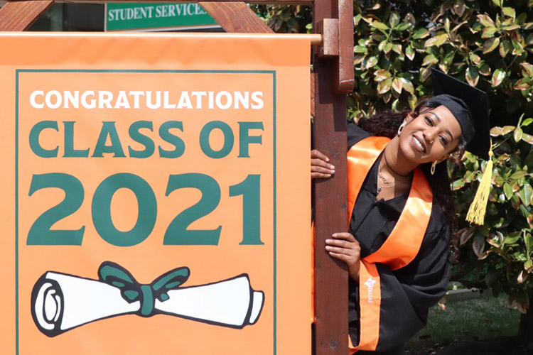 Virtual Spring Commencement To Shine Light on Newest Class of Grads